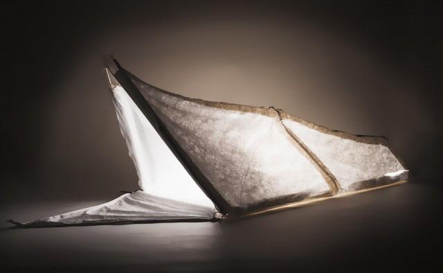 credit: http://mashable.com/2016/01/25/coat-design-tent-sleeping-bag-refugees/#hun8Y5q_Lmqu