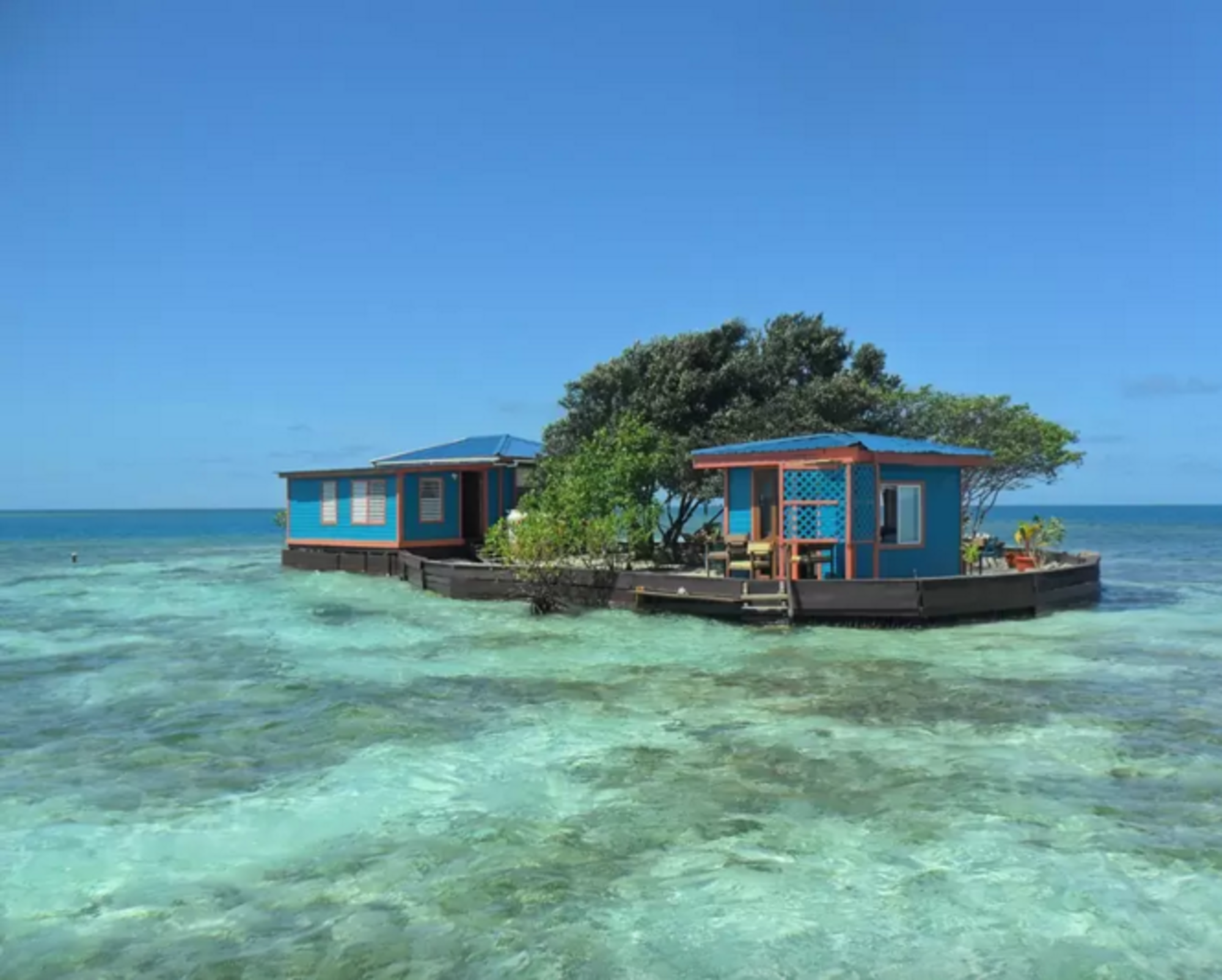 http://www.islands.com/private-islands-you-can-rent-on-airbnb-right-now?HgzRZgLd7Z0gJBhS.01