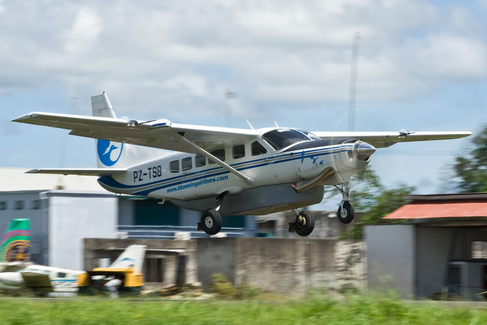 credit: https://upload.wikimedia.org/wikipedia/commons/d/d0/BlueWingAirlines-Cessna208Caravan-PZ-TSB_at_SMZO.jpg
