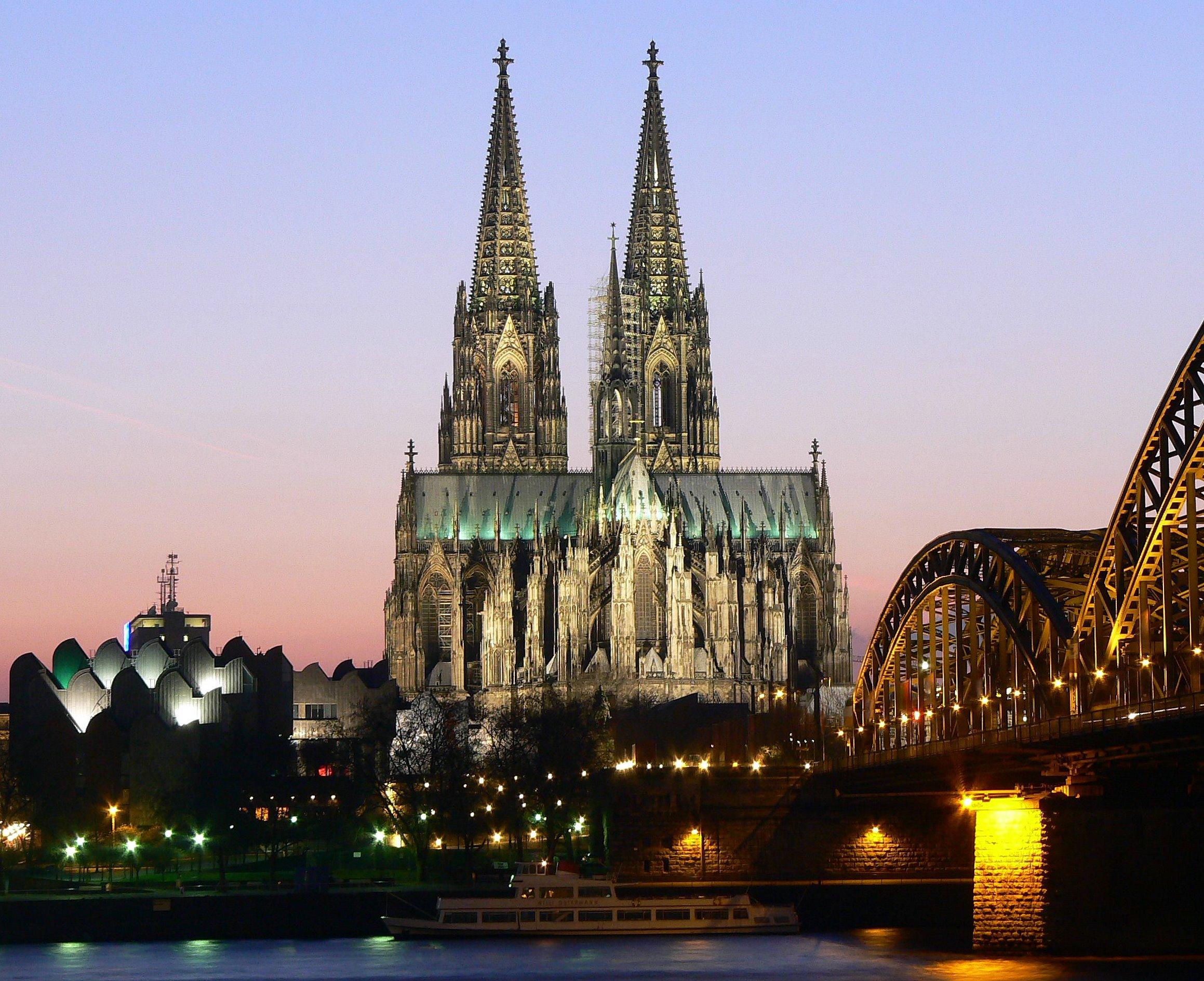 7baac05fc899 ヨーロッパ観光に役立つ 歴史建築講座(ネオ・ゴシック様式) – Trendy ...